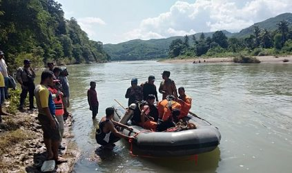 Tim SAR Cari Bonafasius yang Tenggelam di Wae Pesi