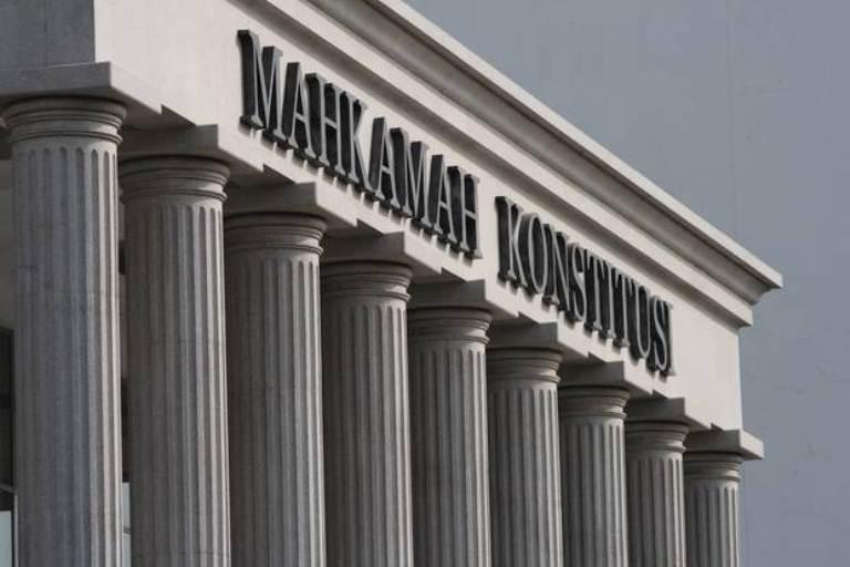 Menanti Palu Hakim, Pengacara; Gugatan Heri-Adolf Diluar Wewenang MK