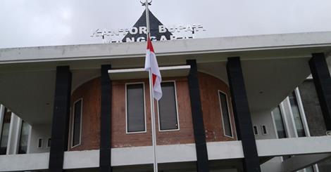 G P Ehok Tutup Usia, Manggarai Pasang Bendera Setengah Tiang