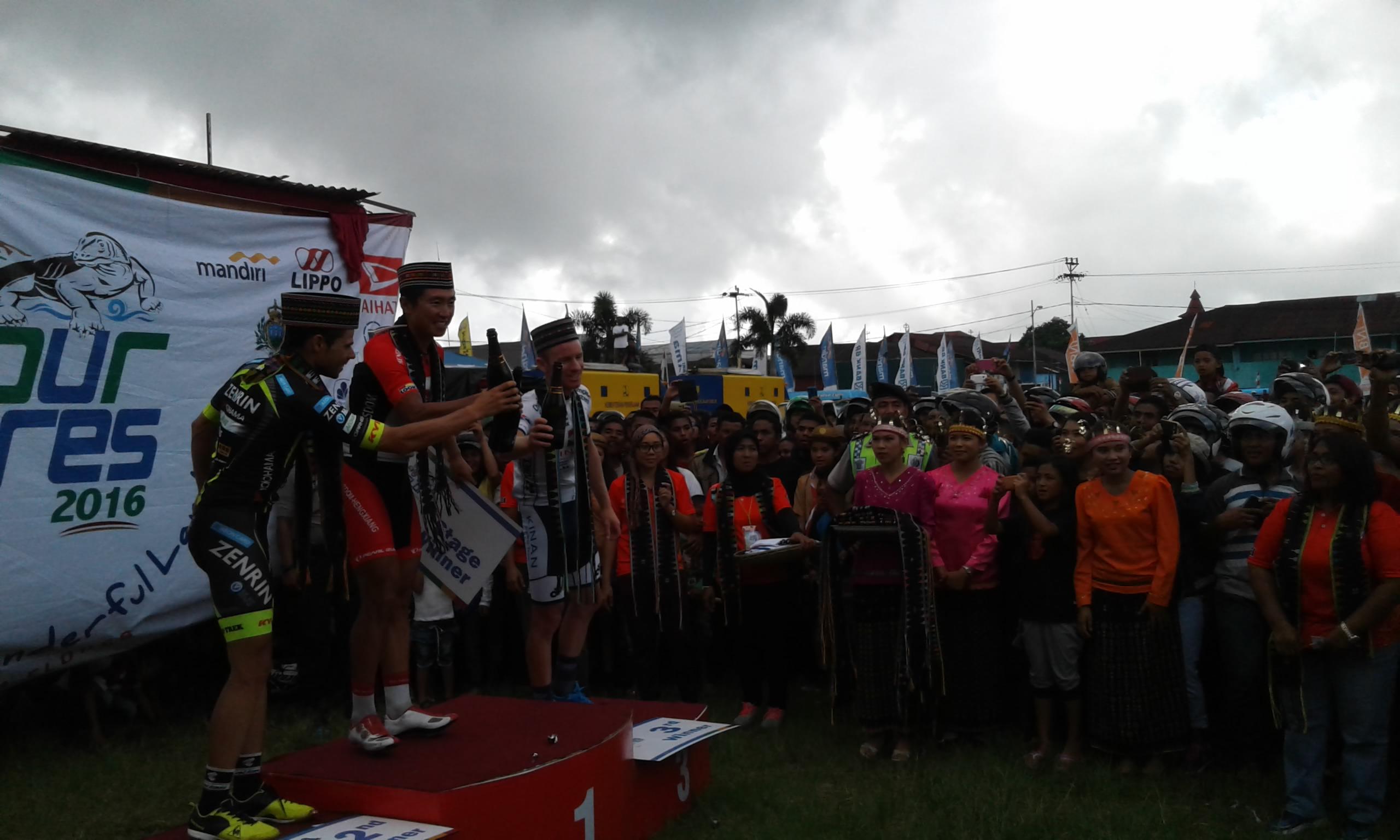 Liu Jianpeng Juarai Etape 4 Tour de Flores Bajawa-Ruteng