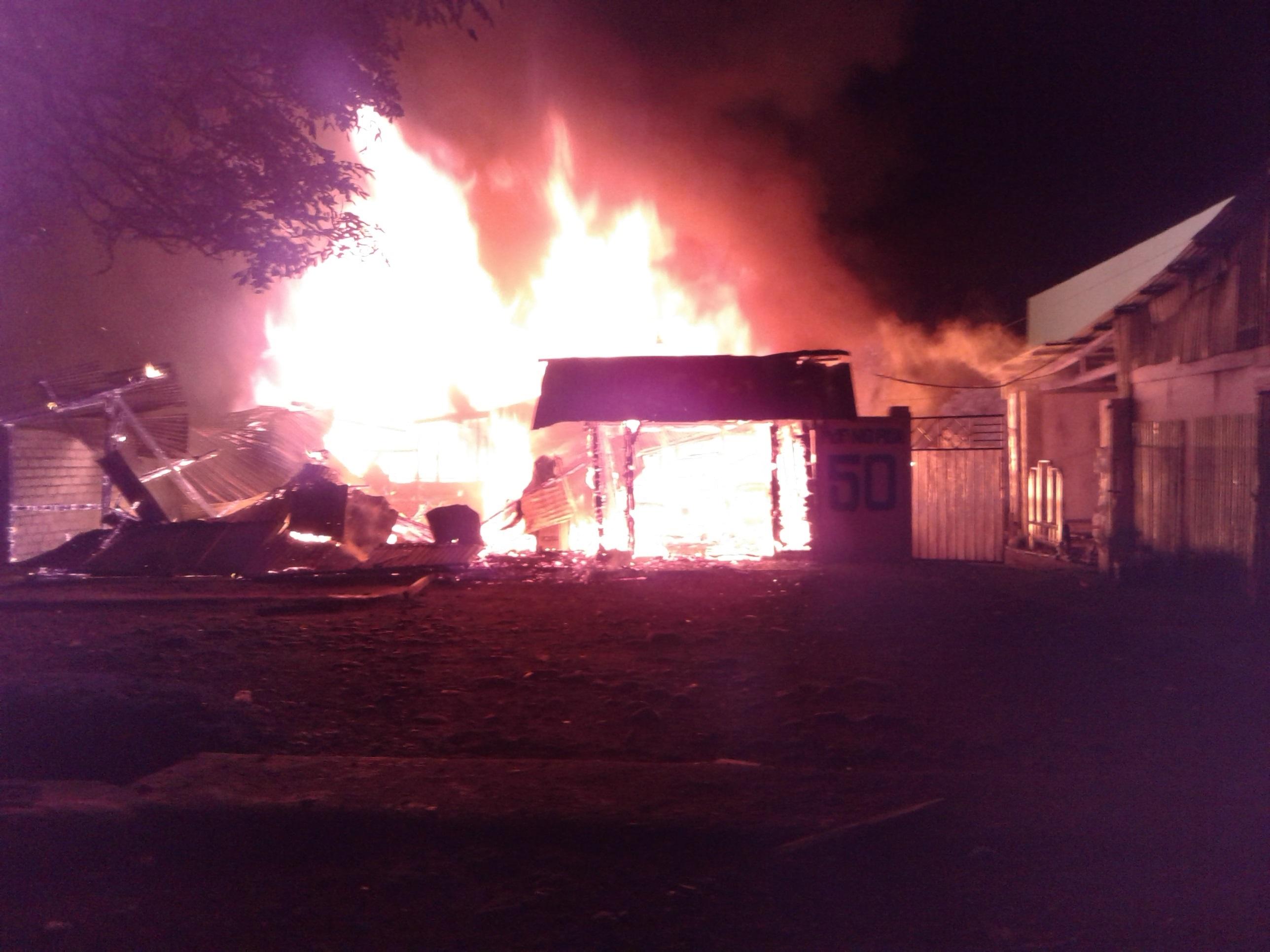 Kebakaran Hanguskan Tiga Rumah Di Ruteng
