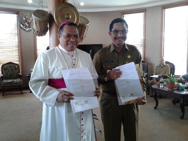Bupati Manggarai Dan Uskup Teken MoU Kerjasama