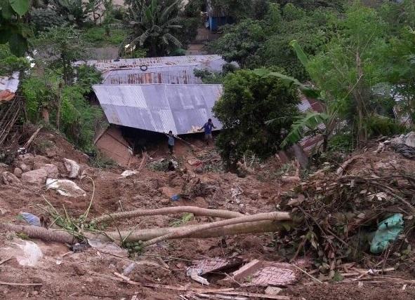Cuaca Ekstrim Terjang Manggarai, Puluhan Rumah Rusak Parah