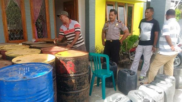 Polisi Gerebeg Rumah Penimbun BBM Di Reo, 3.460 Liter Minyak Tanah Diamankan