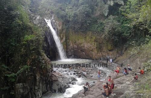 Takjub, Satu Sungai Tiga Air Terjun Ada di Kecamatan Lelak Manggarai