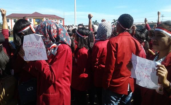 Ribuan Mahasiswa di Ruteng Demo Bebaskan Ahok