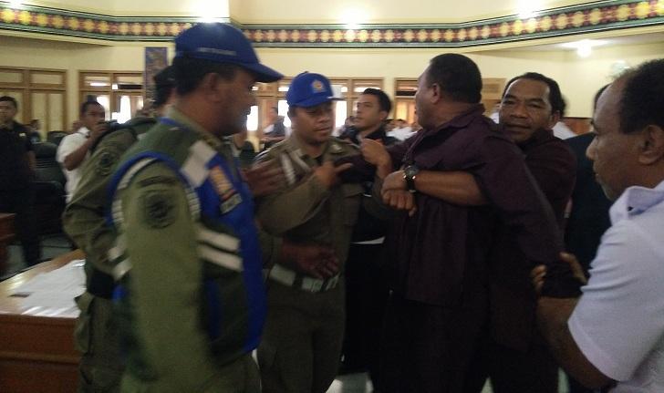 Marsel Ahang Diadukan ke BK, Bupati Deno Beberkan Poin Krusial Hingga Ancaman PAW