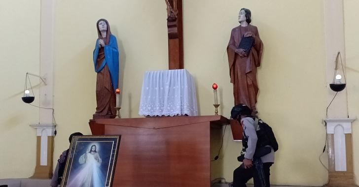Jelang Misa Natal, Brimob Sterilisasi Gereja-gereja di Ruteng