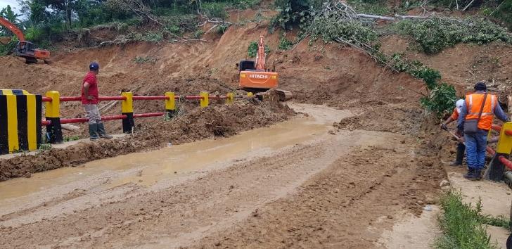 Jalan Ruteng-Labuan Bajo Sudah Bisa Dilewati Kendaraan