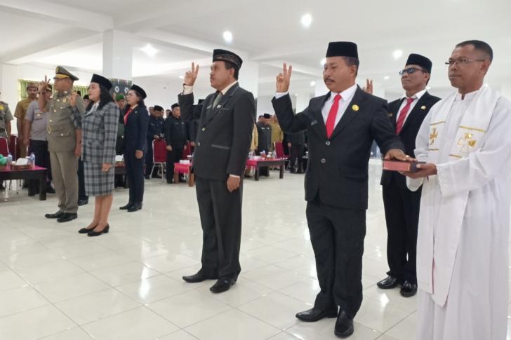 Bupati Manggarai Barat Lantik 5 Pejabat Eselon II