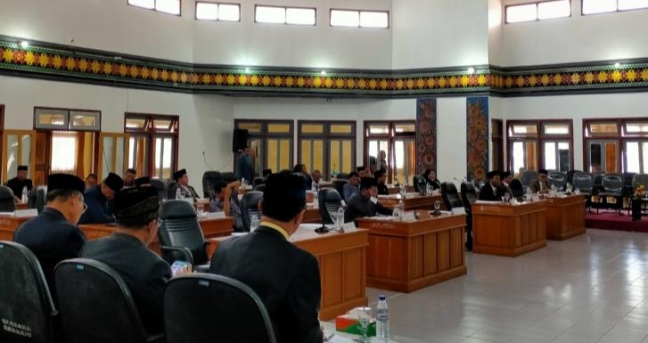 Bupati Deno 'Ceramahi' Dewan Karena Sebut Ada Perintah Terstruktur kepada ASN Jelang Pilkada