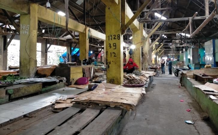 Hoax Corona Bikin Pedagang Pasar di Manggarai Takut Jualan