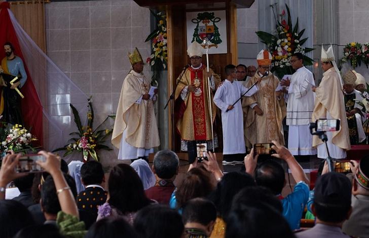 Kardinal ke Mgr. Siprianus : Jadilah 'Dirigen' yang Mempersatukan dalam Perutusan