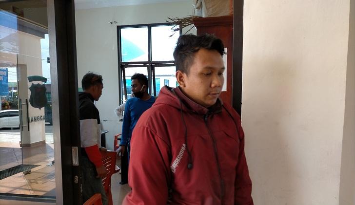 Tak Patuh Social Distancing, Penjual Bakso di Ruteng Malah Berkumpul Sambil Nenggak Pil Double L