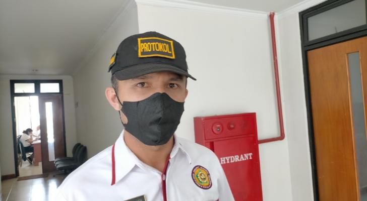 Jadi Plt Camat Ruteng, Lody Moa Gagas Program Sabtu Bersih dan Berkantor di Desa