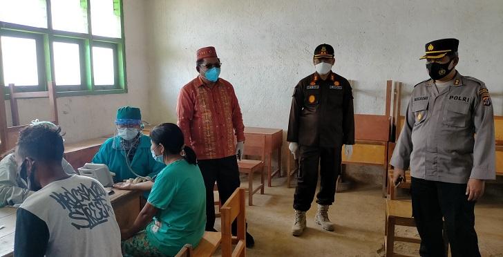 Stop Pandemi COVID-19 Kejaksaan Manggarai NTT Gelar Vaksinasi Massal