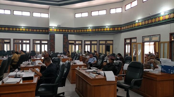 Belasan Paket Proyek Dinas PUPR Manggarai Dicoret, Legislator : Kebijakan Barbar